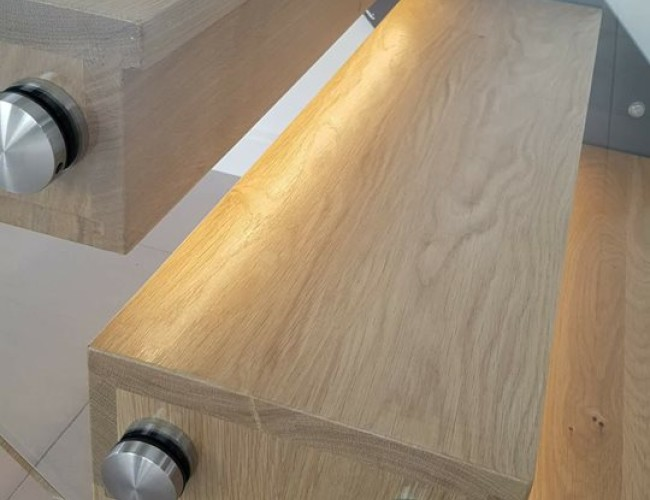 Oak Box Treads with LEDs